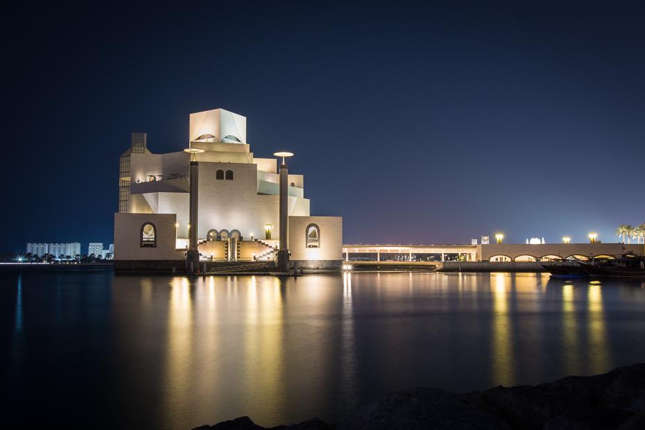 Doha 0 Katar Nikon D7100 Sigma 10-20mm f/3.5 HSM odbicie noc woda niebo architektura Miasto cityscape wieczór budynek zmierzch