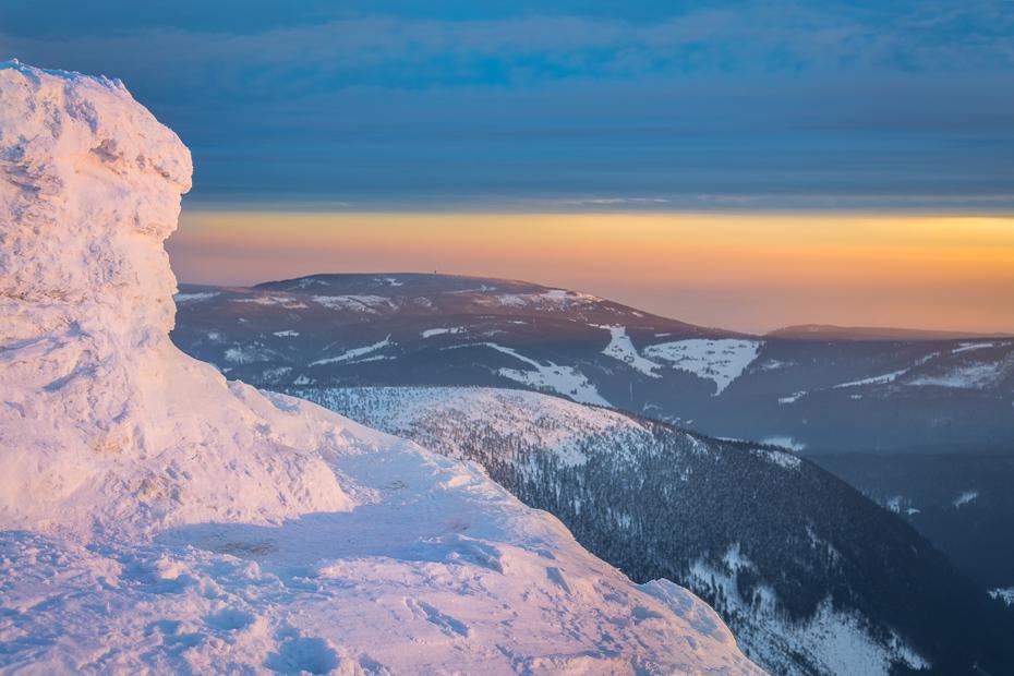 Śnieżka 0 Nikon D7100 AF-S Zoom-Nikkor 17-55mm f/2.8G IF-ED niebo górzyste formy terenu Góra pasmo górskie grzbiet Chmura spadł zimowy masyw górski zamontuj scenerię
