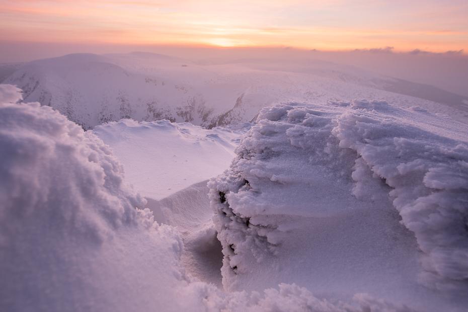 Karkonosze Nikon D7100 Sigma 10-20mm f/3.5 HSM niebo śnieg górzyste formy terenu zimowy zamrażanie Chmura zjawisko geologiczne Góra ranek pasmo górskie