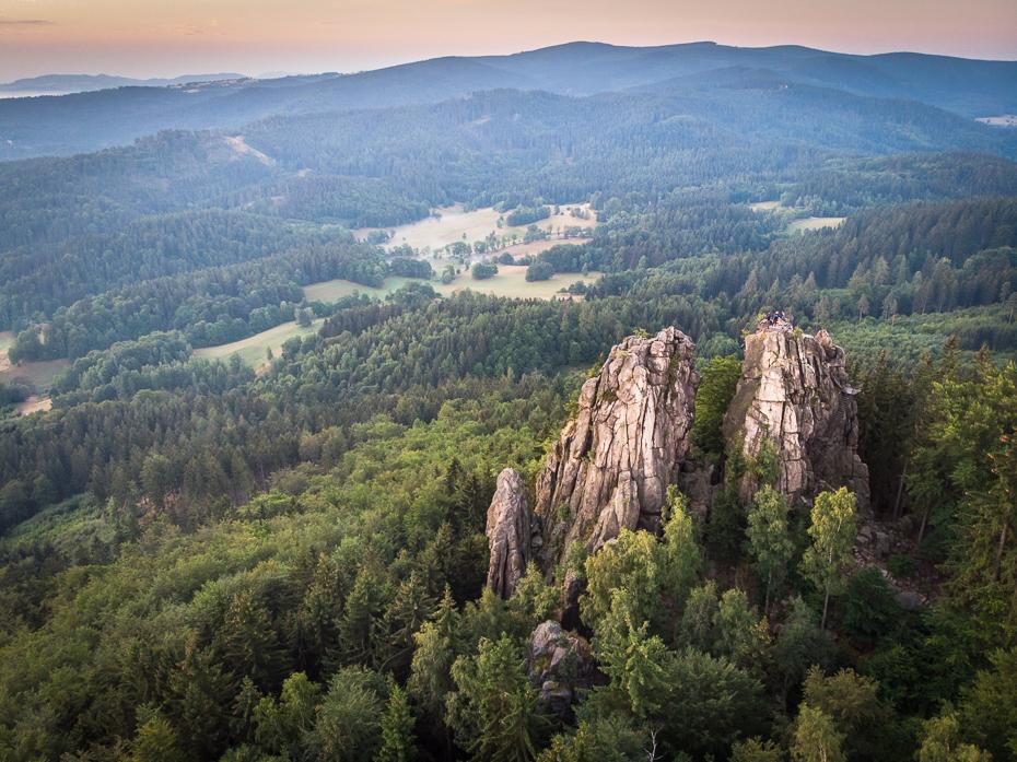 Sokolik 0 Mavic Air górzyste formy terenu Góra pustynia drzewo zamontuj scenerię grzbiet rezerwat przyrody Park Narodowy skarpa wzgórze