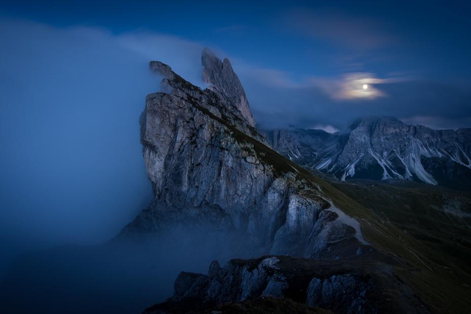 Seceda 0 Dolomity Nikon D7200 Sigma 10-20mm f/3.5 HSM górzyste formy terenu Góra niebo atmosfera pasmo górskie skała ranek zamrażanie teren Chmura