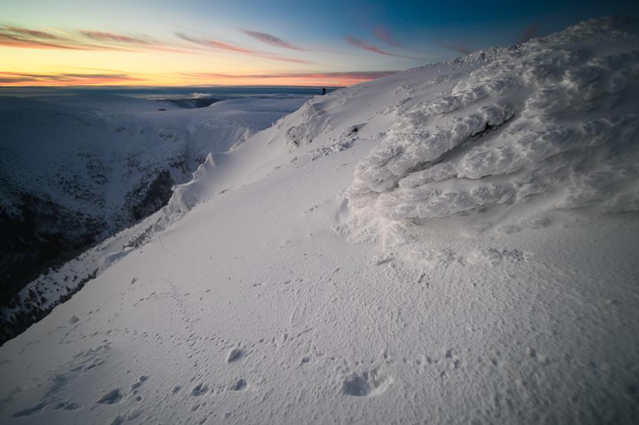 Śnieżka 0 Karkonosze Nikon Laowa D-Dreamer 12mm f/2.8 niebo zjawisko geologiczne zimowy morze ocean zamrażanie atmosfera Chmura horyzont śnieg