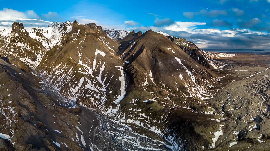 Islandia 0 Mavic Air górzyste formy terenu Góra pasmo górskie grzbiet Alpy masyw górski szczyt skała lodowaty kształt terenu grań