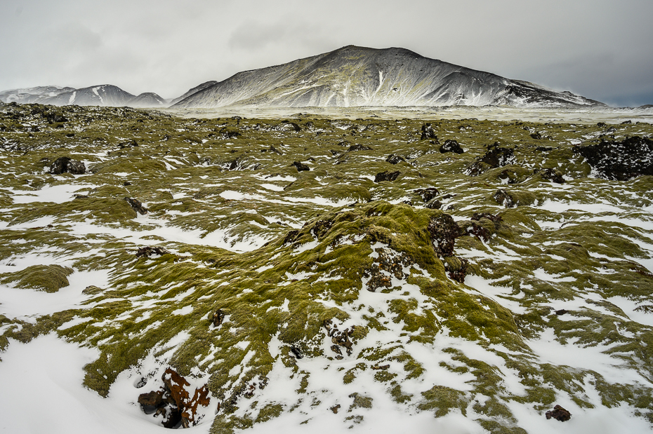 Islandia 0 Nikon Nikkor 24-70mm f/4 górzyste formy terenu Góra średniogórze grzbiet spadł śnieg pustynia wzgórze szczyt pasmo górskie