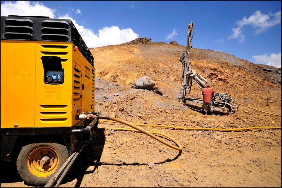 Budowa drogi Krajobraz Nikon D300 Sigma 10-20mm f/4-5.6 HSM Etiopia 0 żółty rodzaj transportu pojazd niebo gleba krajobraz górnictwo sprzęt budowlany piasek geologia