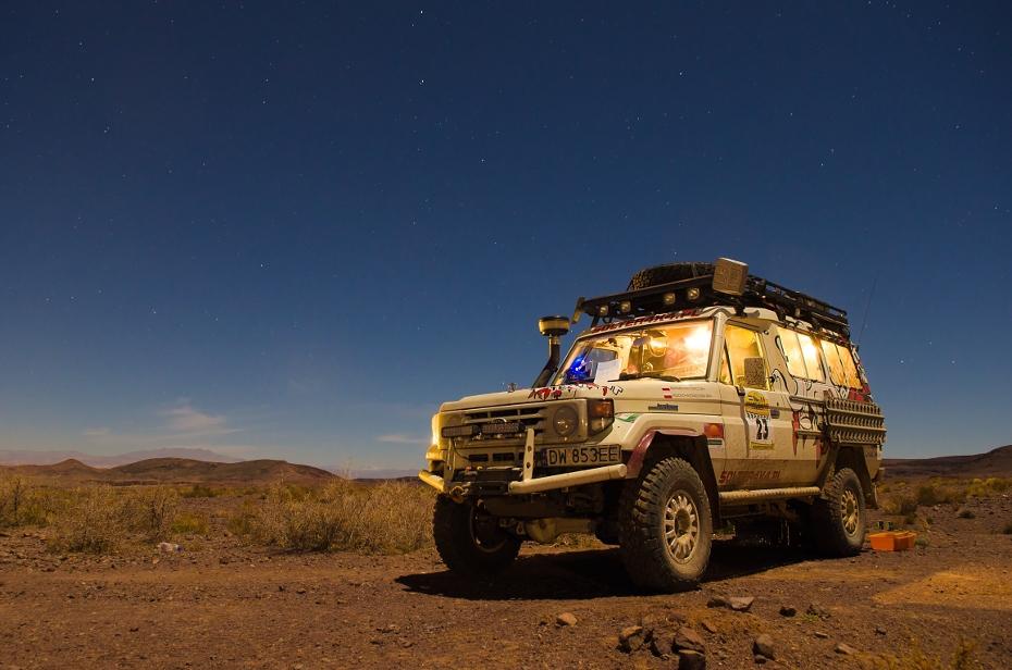 Team 23: White Elephant Maroko Nikon D7000 AF-S Zoom-Nikkor 17-55mm f/2.8G IF-ED Budapeszt Bamako 0 samochód poza trasami Natura pojazd pustynia niebo rodzaj transportu eoliczny krajobraz krajobraz Pojazd terenowy