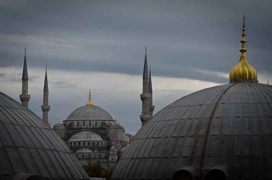 Błękitny meczet Architektura Nikon D7000 AF-S Nikkor 70-200mm f/2.8G Stambuł 0 niebo kopuła punkt orientacyjny budynek iglica architektura Meczet miejsce kultu metropolia
