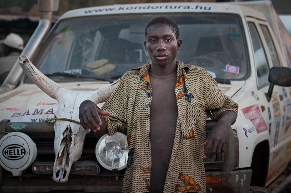 Boy with Team car Rajdowe Nikon D300 AF-S Nikkor 70-200mm f/2.8G Budapeszt Bamako 0 samochód pojazd projektowanie motoryzacyjne samochód miejski Samochód kompaktowy sportowy pojazd sportowy