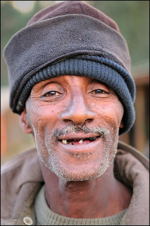 Zębaty Ludzie Nikon D300 AF-S Micro Nikkor 60mm f/2.8G Etiopia 0 Twarz człowiek wąsy nos Broda głowa zarost ścieśniać oko męski