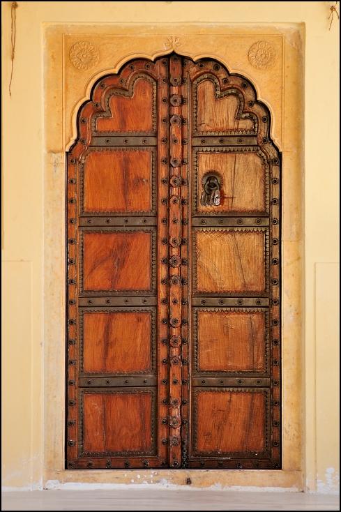 Drzwi Architektura Nikon D300 Zoom-Nikkor 80-200mm f/2.8D Indie 0 drzwi bejca drewna