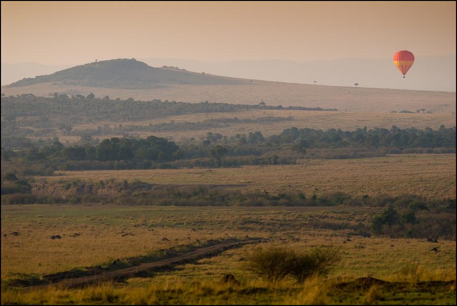 Masai Mara rano Krajobraz Nikon D200 AF-S Nikkor 70-200mm f/2.8G Kenia 0 ekosystem łąka Równina niebo sawanna wzgórze pole ranek atmosfera ziemi obszar wiejski