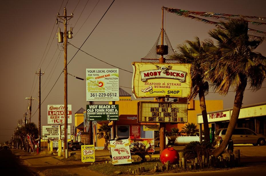 Port Aransas Polyesterday Nikon D7000 AF-S Zoom-Nikkor 17-55mm f/2.8G IF-ED Texas 0 noc Miasto niebo wieczór