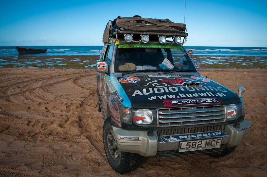 CCT Team Poland Maroko Nikon D300 AF-S Zoom-Nikkor 17-55mm f/2.8G IF-ED Budapeszt Bamako 0 samochód poza trasami pojazd projektowanie motoryzacyjne piasek Pojazd terenowy krajobraz eoliczny krajobraz teren na zewnątrz samochodu