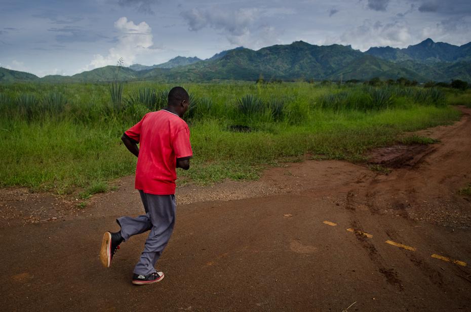 Biegiem góry Ulice Nikon D7000 AF-S Zoom-Nikkor 17-55mm f/2.8G IF-ED Tanzania 0 niebo Chmura górzyste formy terenu Natura Droga wzgórze Góra ścieżka pustynia gleba