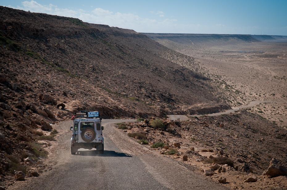 Team 93: Land Rover Defender Maroko Nikon D300 AF-S Zoom-Nikkor 17-55mm f/2.8G IF-ED Budapeszt Bamako 0 Droga niebo pustynia górzyste formy terenu gleba Góra wzgórze geologia teren droga polna
