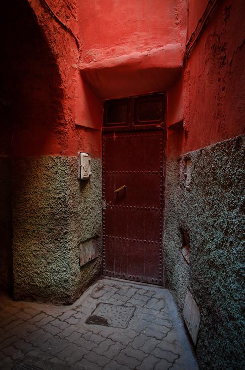 Medyna Marrakesz Nikon D7000 AF-S Zoom-Nikkor 17-55mm f/2.8G IF-ED Maroko 0 Ściana aleja lekki ciemność architektura cegła oświetlenie okno drewno drzwi