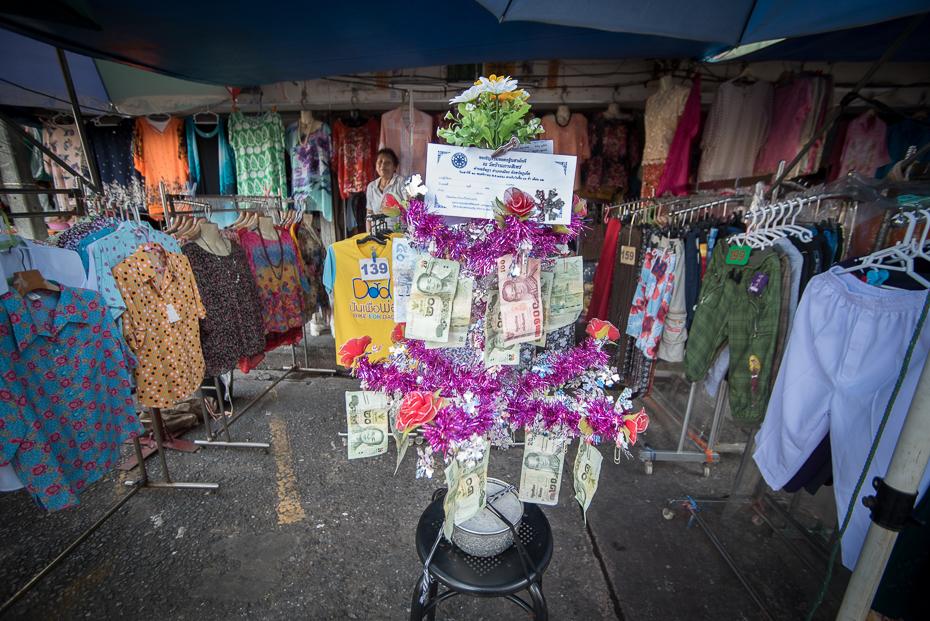 Drzewo obfitości Small business nikon d750 Sigma 15-30mm f/3.5-4.5 Aspherical Tajlandia 0 miejsce publiczne kwiat rynek bazar tradycja stoisko Miasto sprzedawca