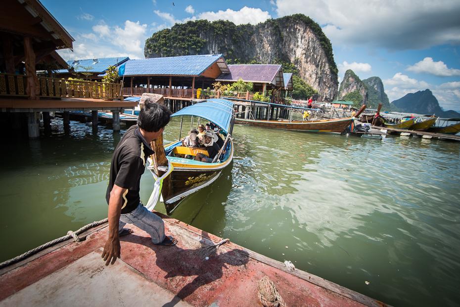 Koh Panyee Island Pocztówka nikon d750 Sigma 15-30mm f/3.5-4.5 Aspherical Tajlandia 0 woda zbiornik wodny transport wodny odbicie łódź żeglarstwo niebo turystyka wolny czas wioślarstwo na wodzie