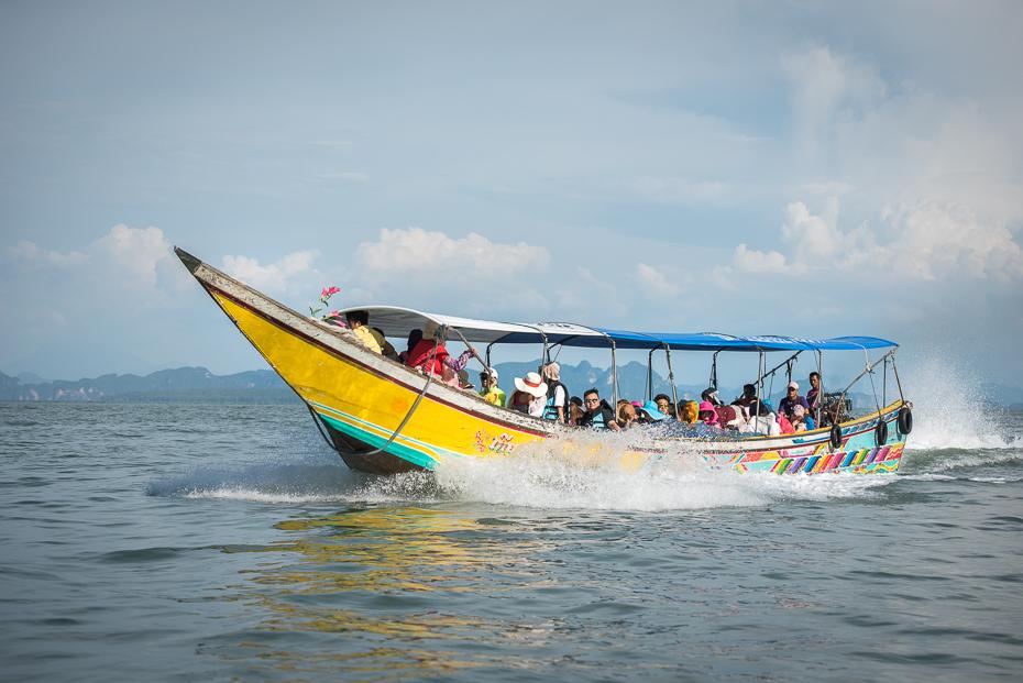 Łódź longtail Pocztówka nikon d750 Nikon AF-S Zoom-Nikkor 70-200mm f/2.8G IF-ED Tajlandia 0 transport wodny łódź woda arteria wodna żeglarstwo Żeglarstwo motorówka jednostki pływające fala morze