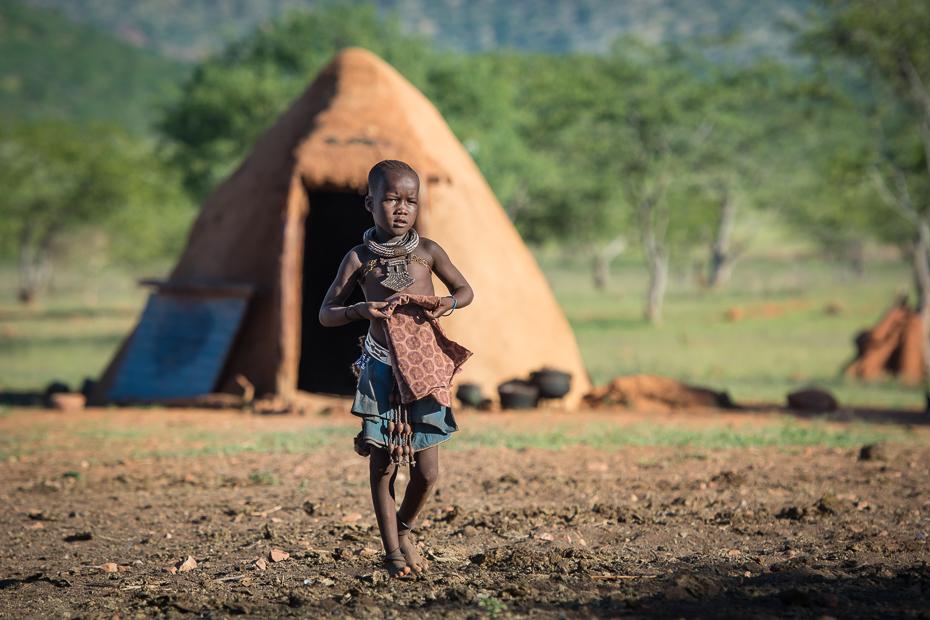 Wioska Himba Nikon D7100 AF-S Nikkor 70-200mm f/2.8G Namibia 0 gleba drzewo obszar wiejski dziewczyna roślina trawa pole krajobraz zabawa