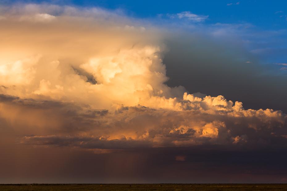Chmury nad Etoshą Krajobraz Nikon D7100 AF-S Nikkor 70-200mm f/2.8G Namibia 0 niebo Chmura horyzont atmosfera cumulus dzień morze poświata spokojna zachód słońca