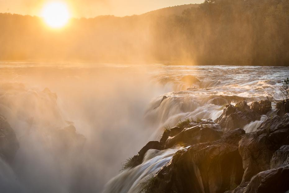 Epupa Falls Krajobraz Nikon D7100 AF-S Nikkor 70-200mm f/2.8G Namibia 0 woda zbiornik wodny niebo ranek światło słoneczne funkcja wody skała wschód słońca morze fala