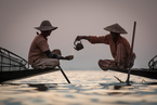 Rybacy na Jeziorze Inle