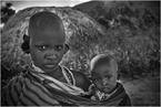 Masajska kobieta z dzieckiem