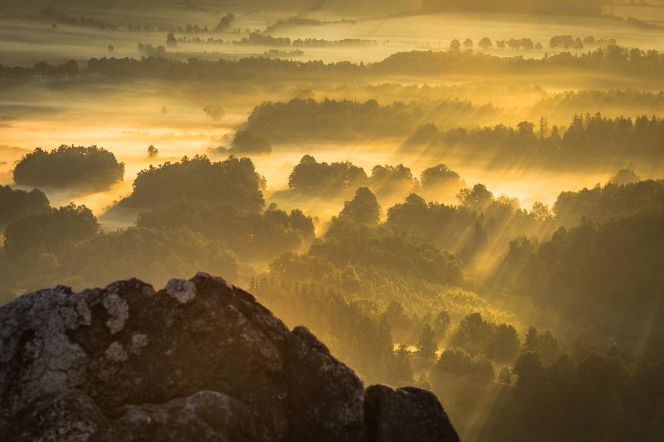 Sokolik 0 Nikon D7200 AF-S Nikkor 70-200mm f/2.8G niebo atmosfera Chmura ranek wschód słońca świt Góra światło słoneczne horyzont skała