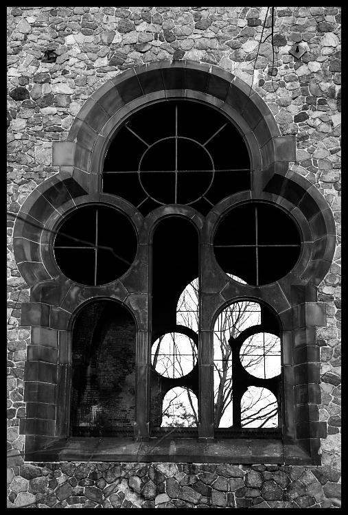 Kościół ewangelicki Architektura Nikon D200 AF-S Zoom-Nikkor 18-70mm f/3.5-4.5G IF-ED łuk czarny i biały fotografia monochromatyczna architektura żelazo okno monochromia historia budynek gotycka architektura